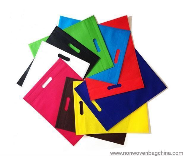 customized-die-cut-handle-non-woven-bag-05