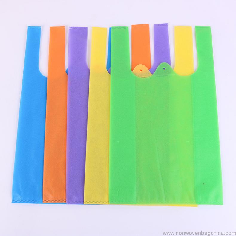 cheap-hot-selling-t-shirt-shape-non-woven-shopping-bag-for-kenya-market-02