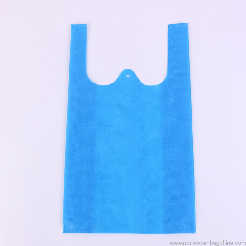 cheap-hot-selling-t-shirt-shape-non-woven-shopping-bag-for-kenya-market-03
